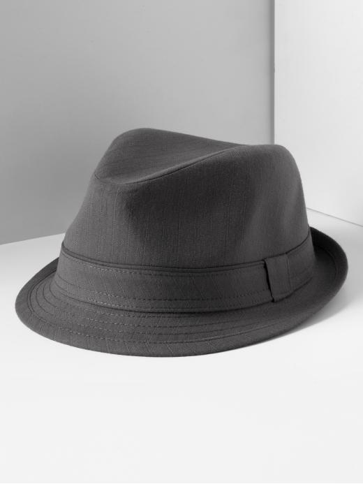 fedora 5 Tips To Achieve The 60s Cosmopolitan Look.