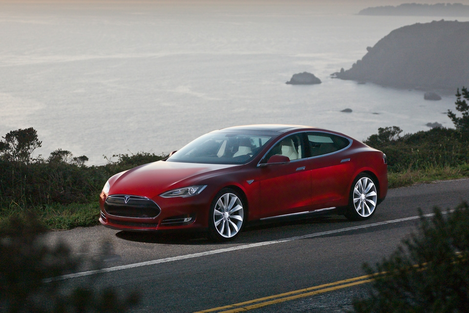 model s signature red 960x640 b Tesla's All Electric Luxury Model S Set For Delivery.