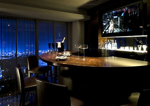 How to set up and stock the perfect home bar luxuriousprototype - Mini bar for apartment ...