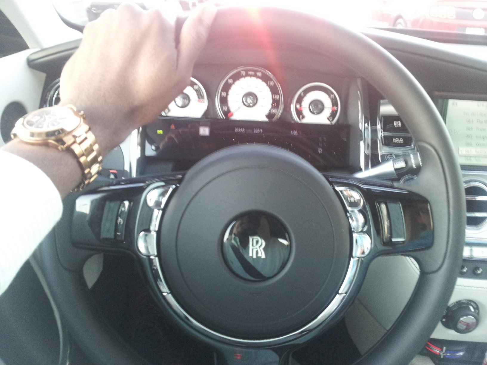 20131103 171934 Exclusive: 2013 Rolls Royce Wraith   All You Need to Know