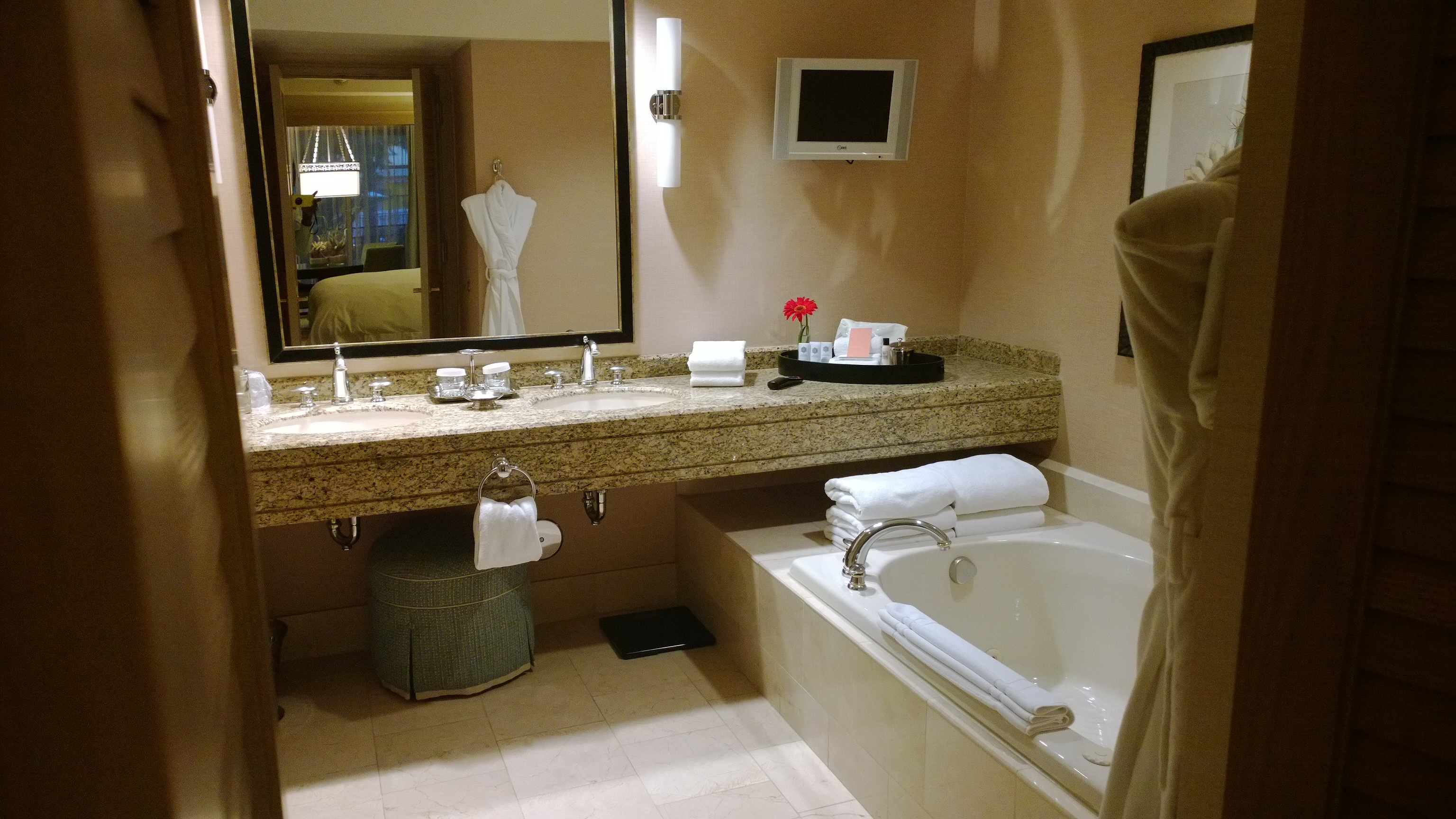Hotel Review Canyon Suites At The Phoenician Scottsdale Az Luxuriousprototype