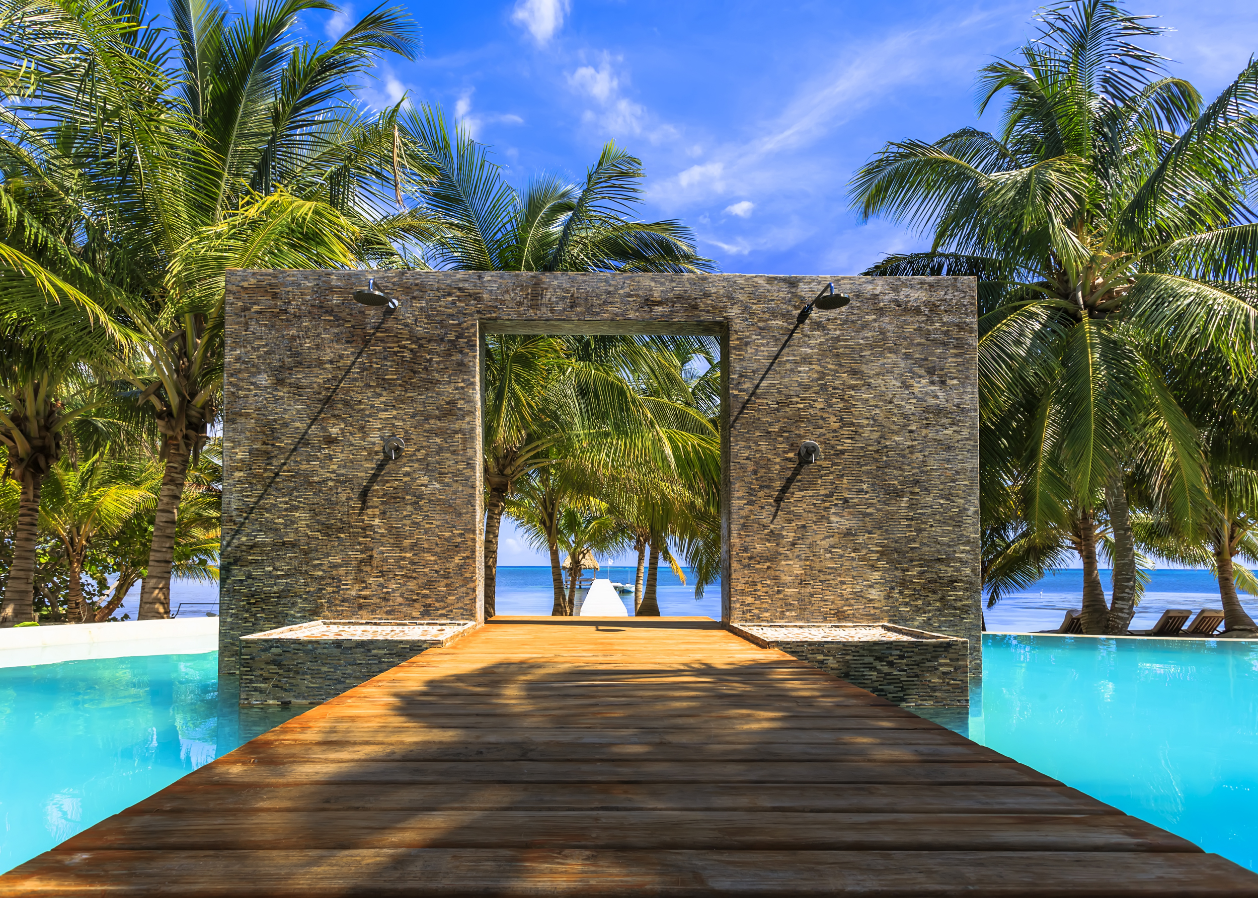Lap in luxury best pools in the caribbean for Luxury hotel resorts